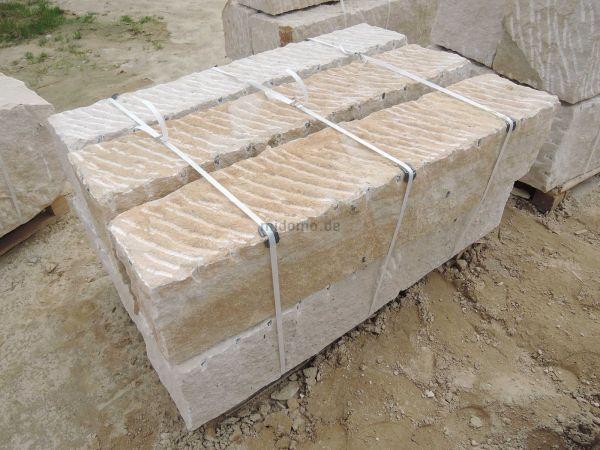 Sandstein Blockstufen LÖWENBERG